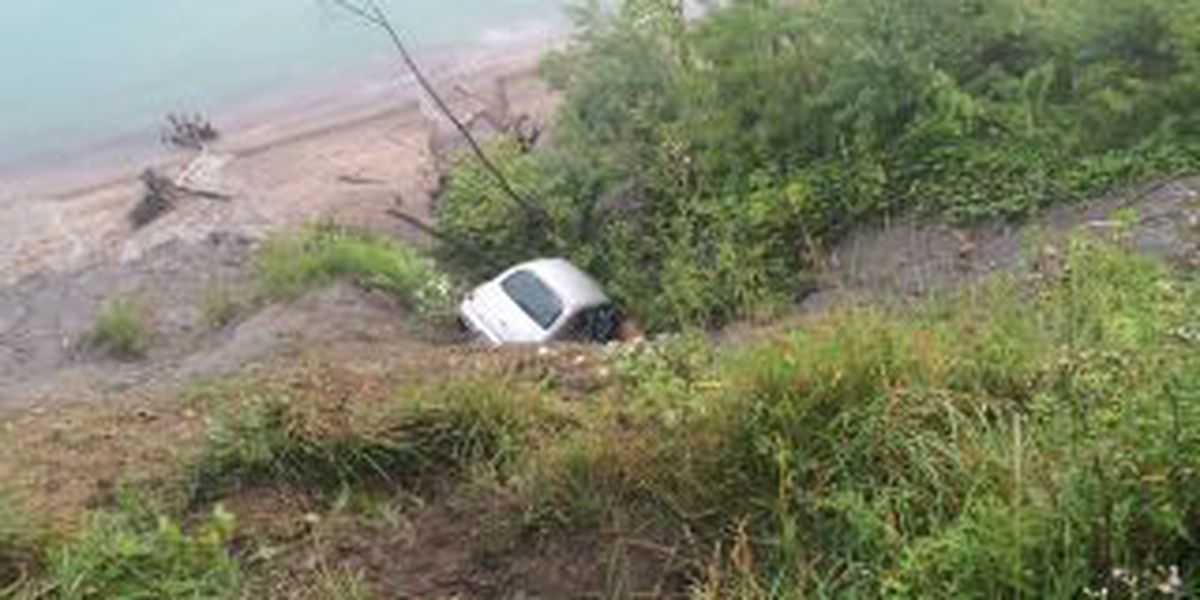 Deputies investigate car driving off cliff in Painesville Twp.