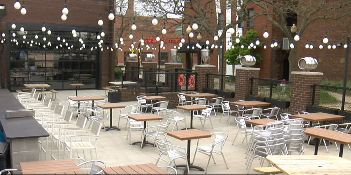 Cleveland permits restaurants to keep extended outdoor dining areas through June 1, 2021