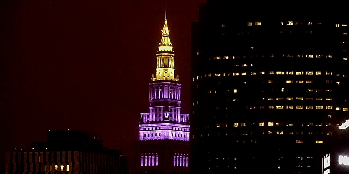 Special Terminal Tower light show gives hope to Cleveland amid coronavirus crisis