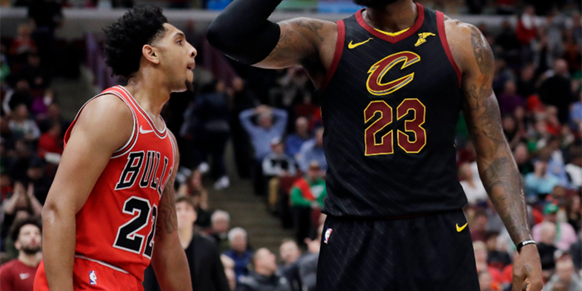 LeBron James gets 33 points in triple-double, Cavs beat Bulls