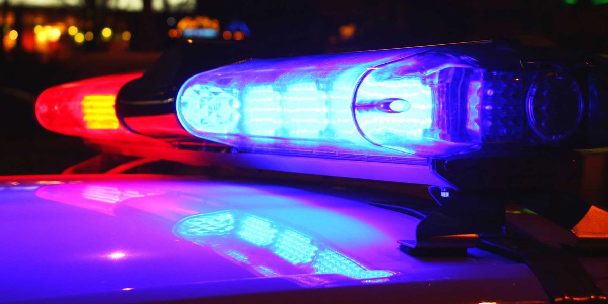 Cleveland Police: 1 dead, 1 injured after early Sunday morning crash on 176