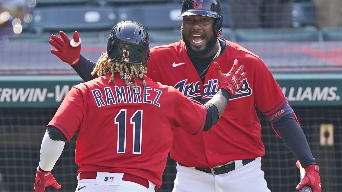 Ramirez, Bieber shine as Tribe stop Royals 4-2