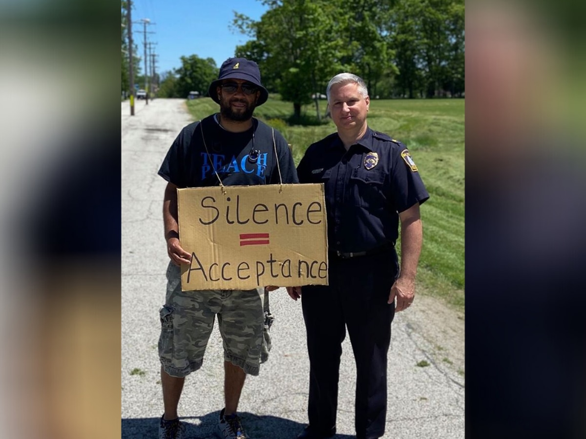 Bay Village police stand in solidarity with protester
