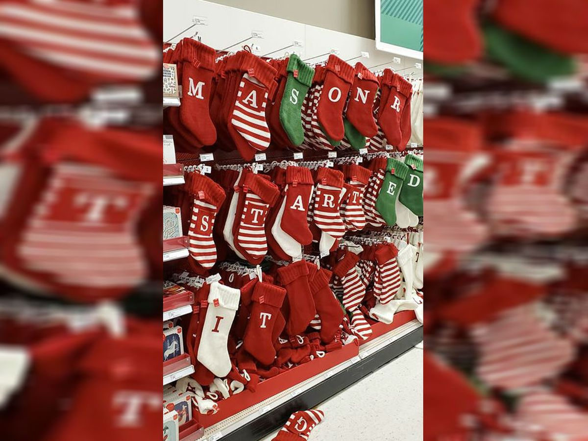 Christmas stockings rearranged in favor of suspended Browns DE Myles Garrett: 'Mason R Started It'