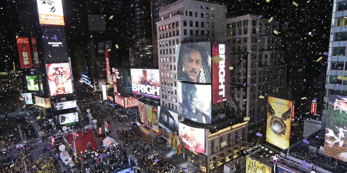 Throngs to pack Times Square for mild, rainy New Year's Eve