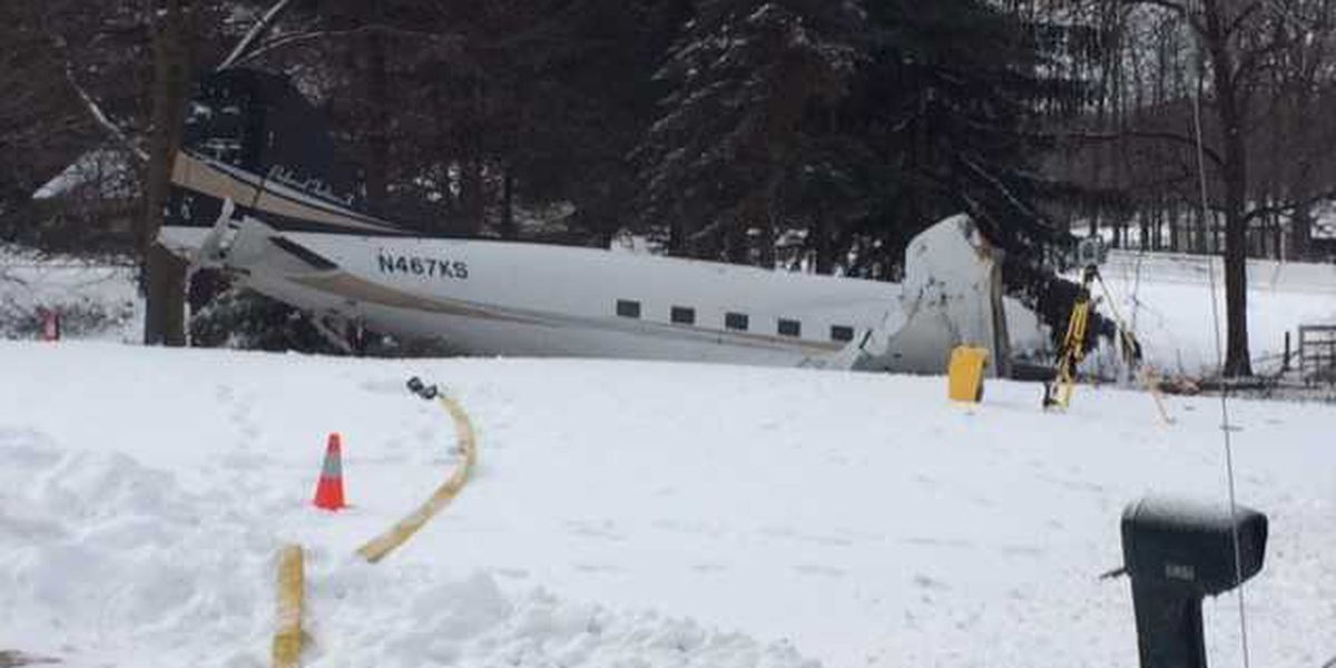 2 killed in Wayne County plane crash after taking out several utility poles; likely caused by engine issues