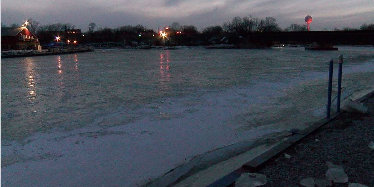 Residents living along the Vermilion River prepping for potential flooding