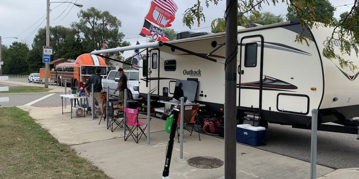 Tailgaters out a full day before Browns season opener