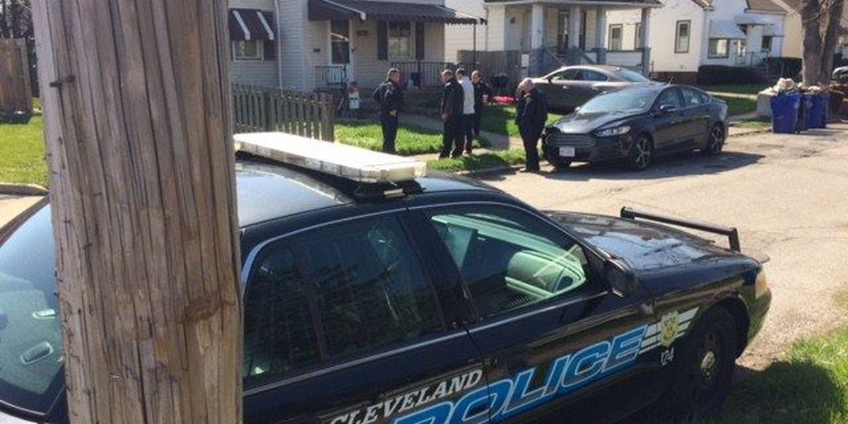 Detectives investigating homicide on Cleveland's West side