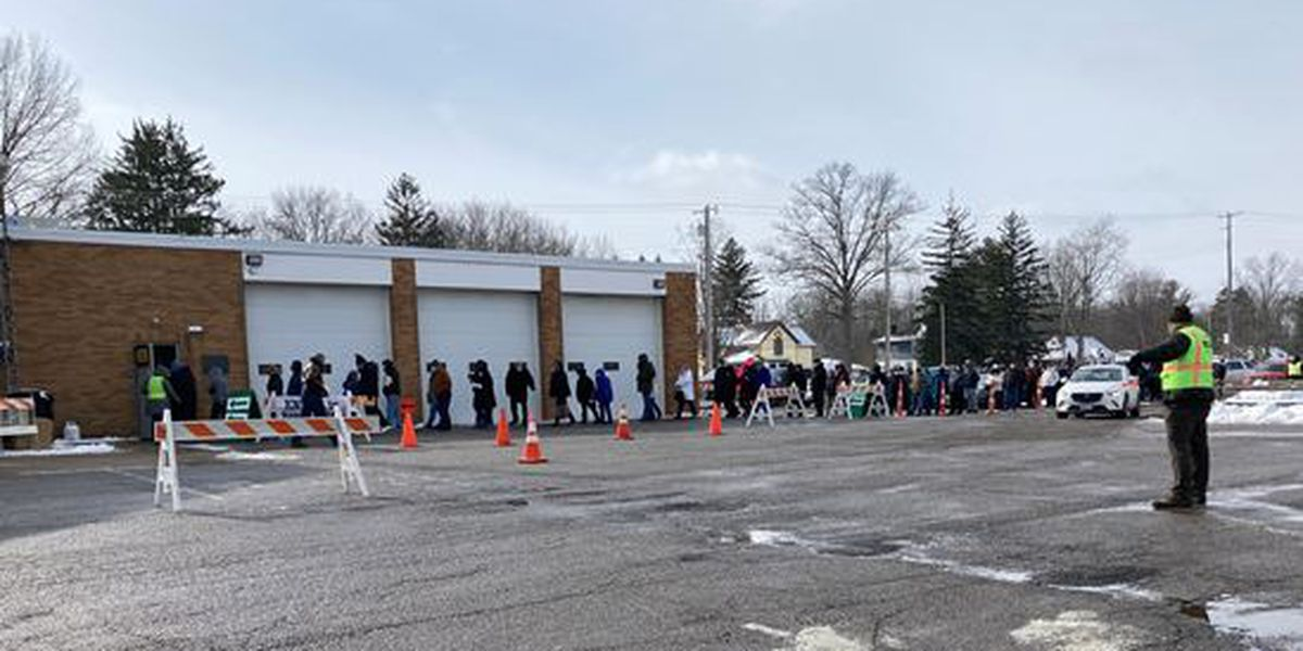 Hundreds line up for the COVID-19 vaccine in Columbia Station