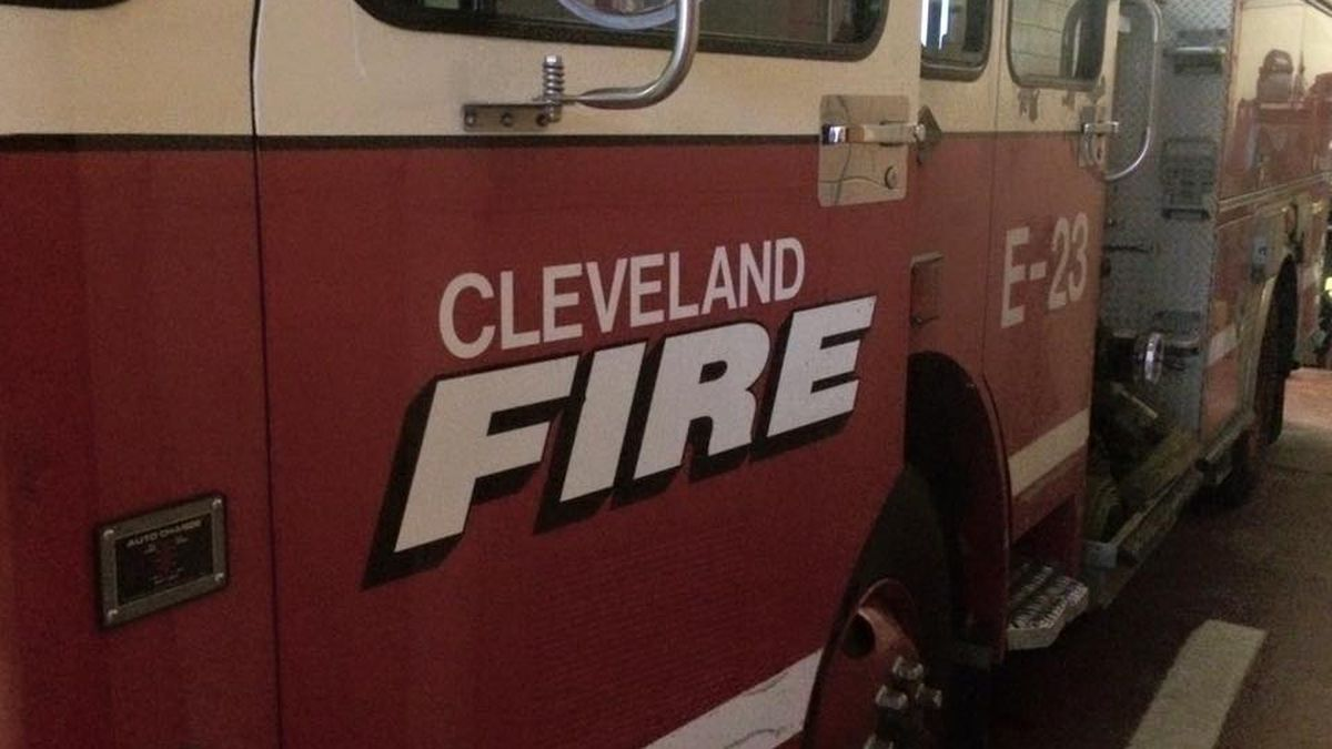 Cleveland Fire searching for victims in intense flames