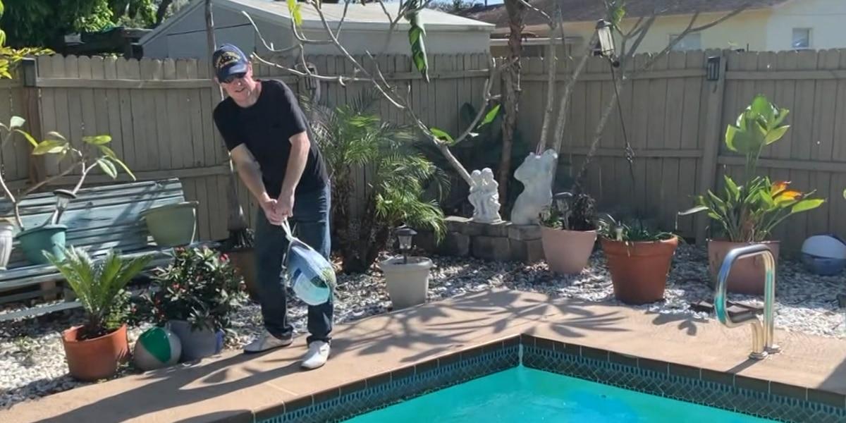 Florida man defrosts Thanksgiving turkey in swimming pool