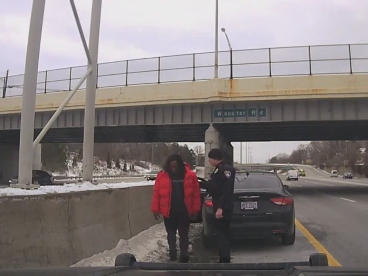 Rocky River police release video of traffic stop involving Kareem Hunt when officers found marijuana in his car