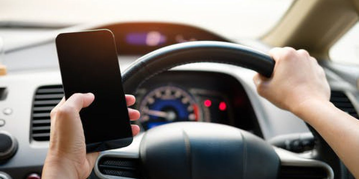 City of Lakewood bans use of cellphones while driving