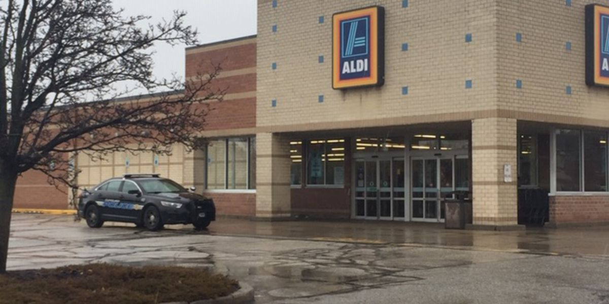 Armed carjacking outside Aldi on Cleveland's East Side being investigated