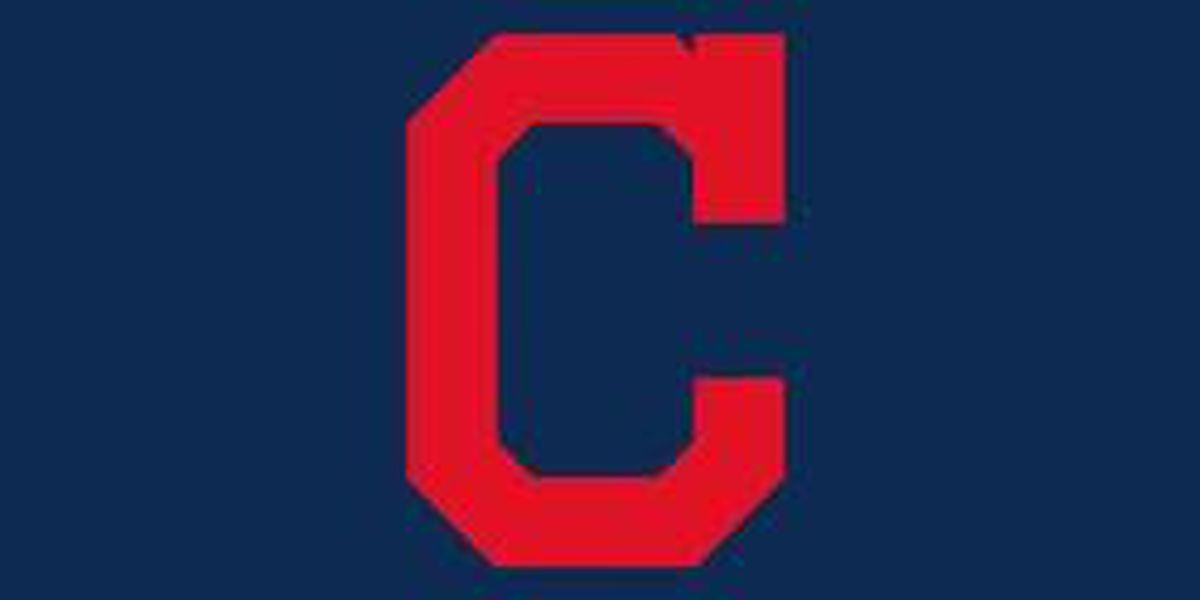Indians' Gomes carted off field with right shoulder injury