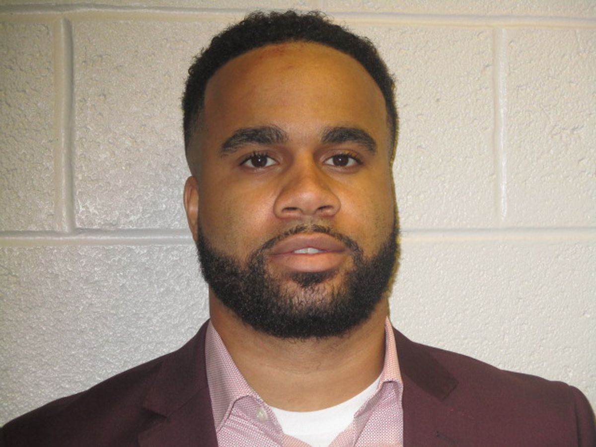 Former corrections officer who ran drug trafficking ring inside Cuyahoga County Jail gets 2 years