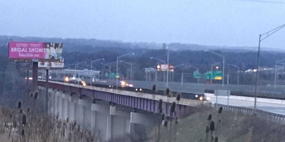 Traffic moving again after accident closes part of the Valley View Bridge