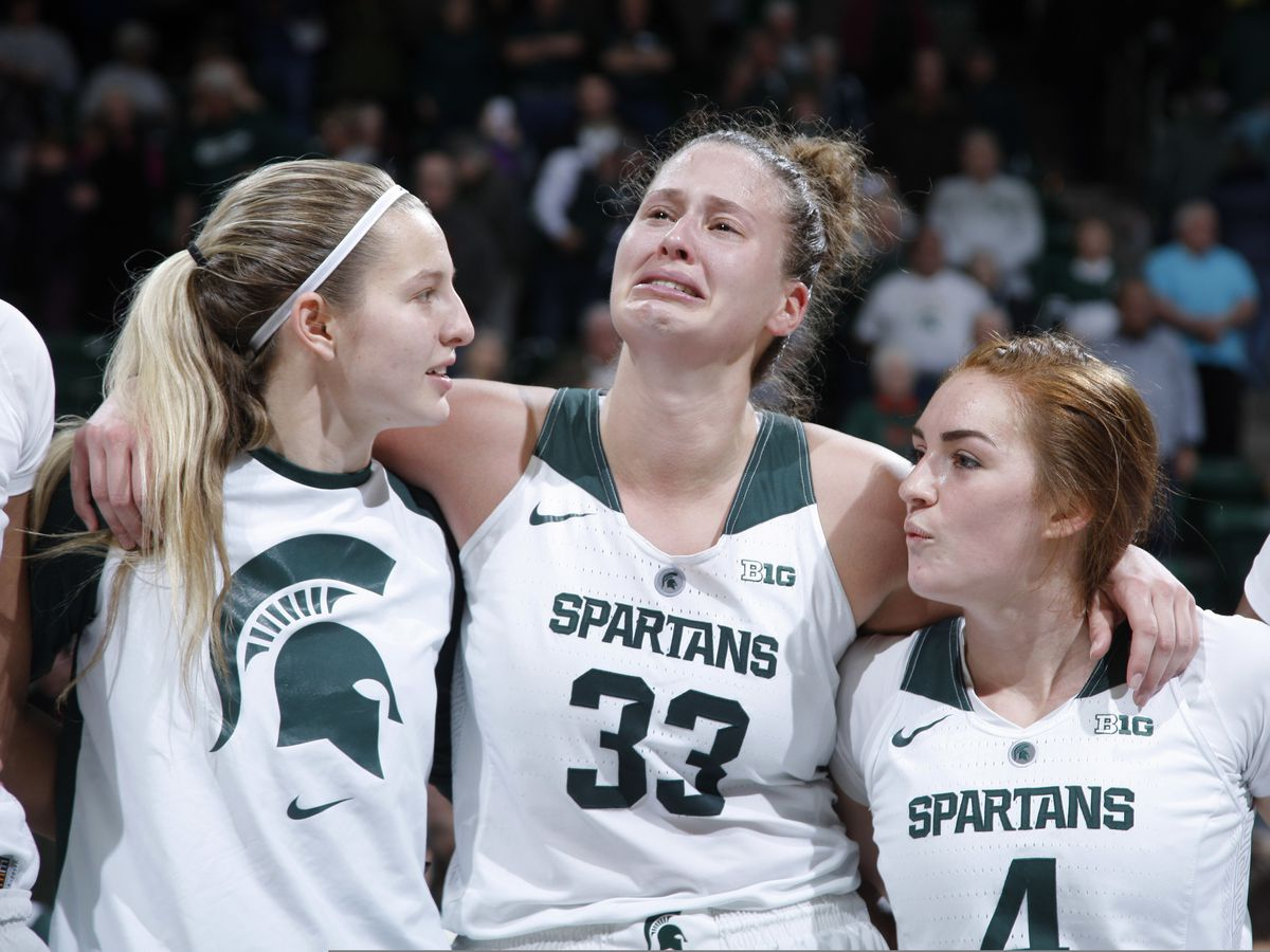 Michigan State enters AP women's poll after beating Oregon