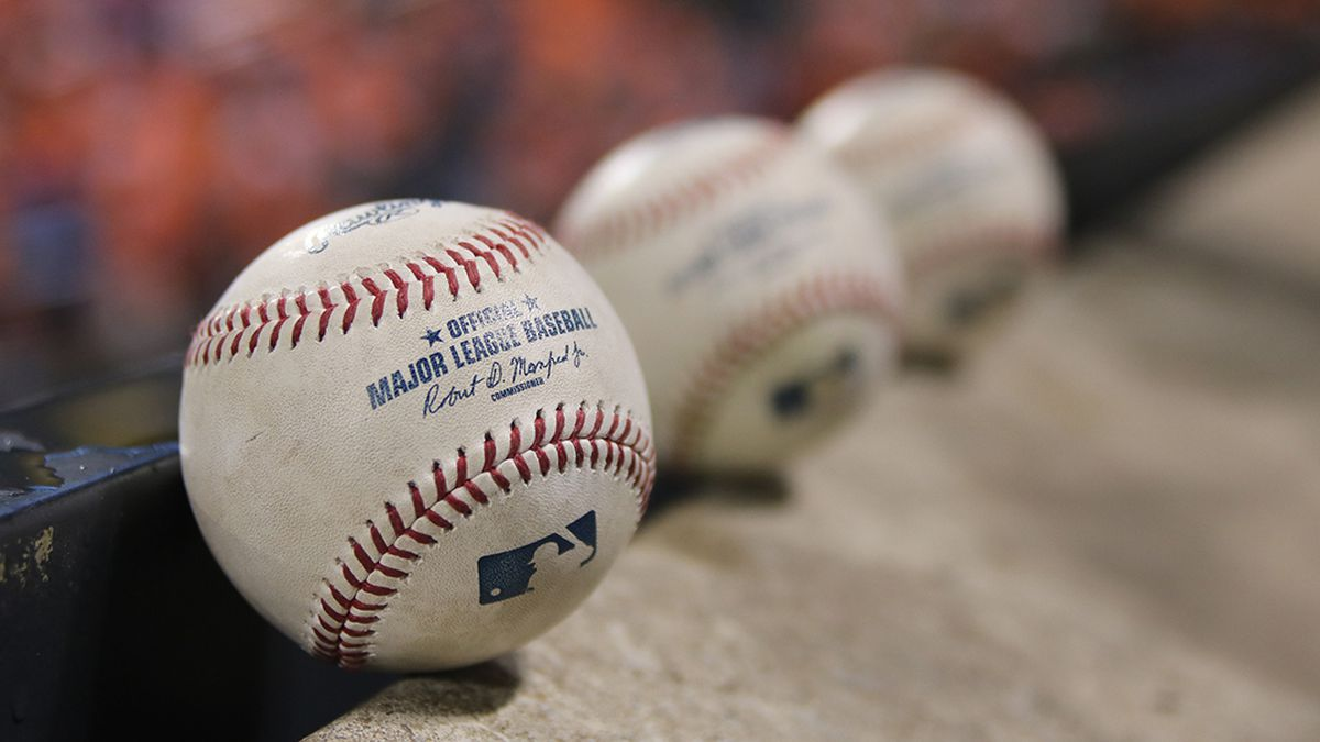 New MLB rules: shower at home, don't spit, Mr. Met stay away