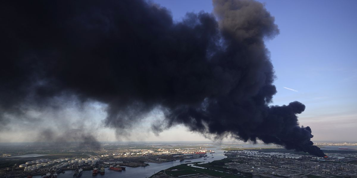 Fire reignites at Houston-area chemical plant