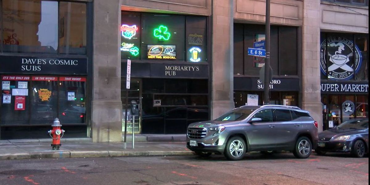 Moriarty's Pub closes after 100 years on East 6th Street with an Irish wake
