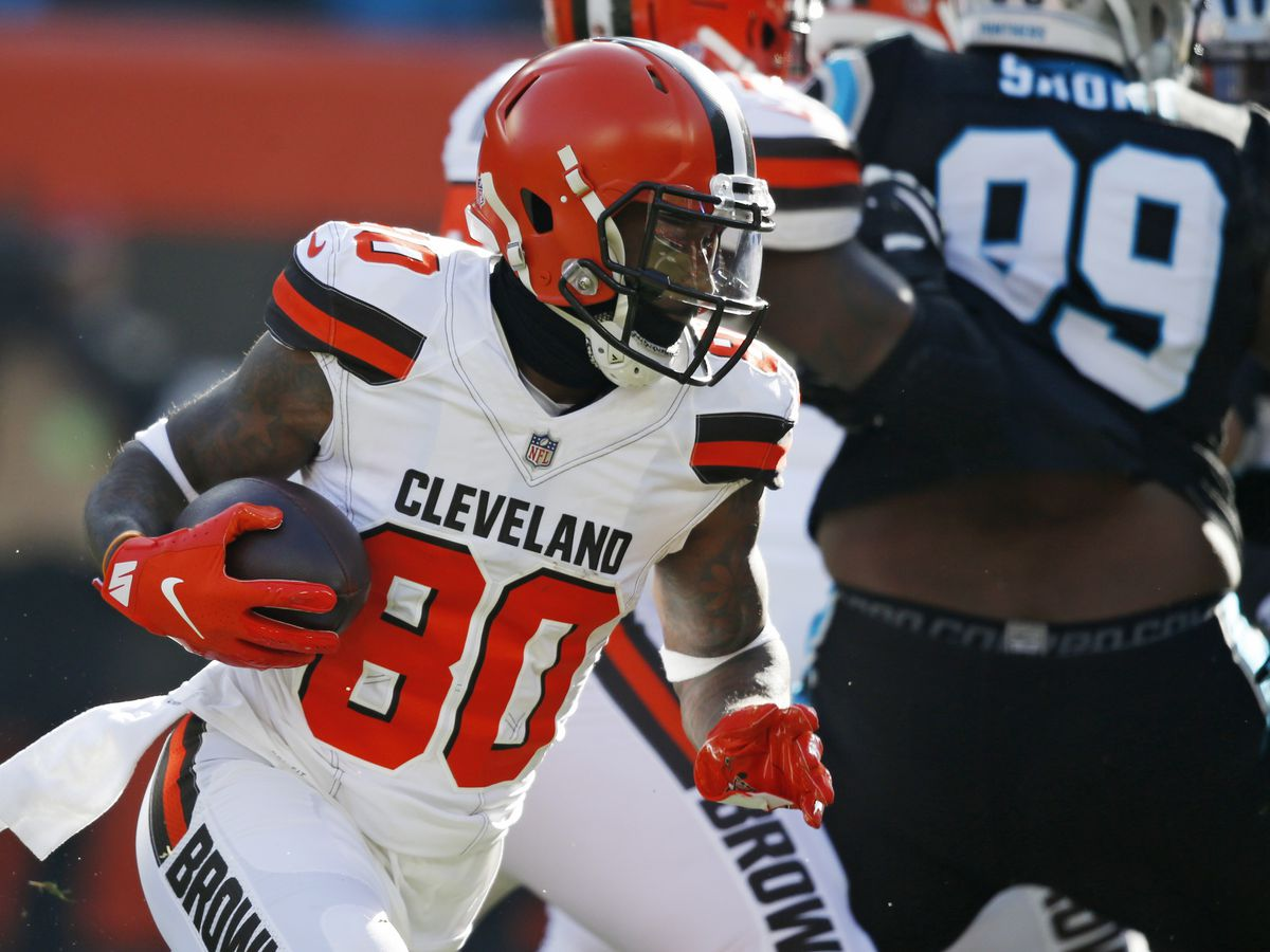 Browns beat Panthers 26-20, keeping playoff hopes alive