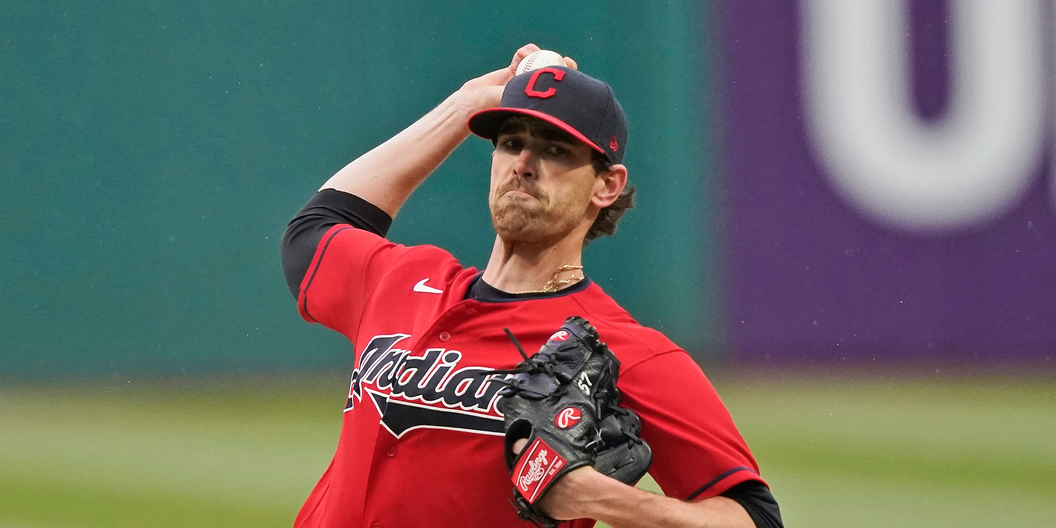 Bieber strikes out 11, sets K record as Indians beat Chisox
