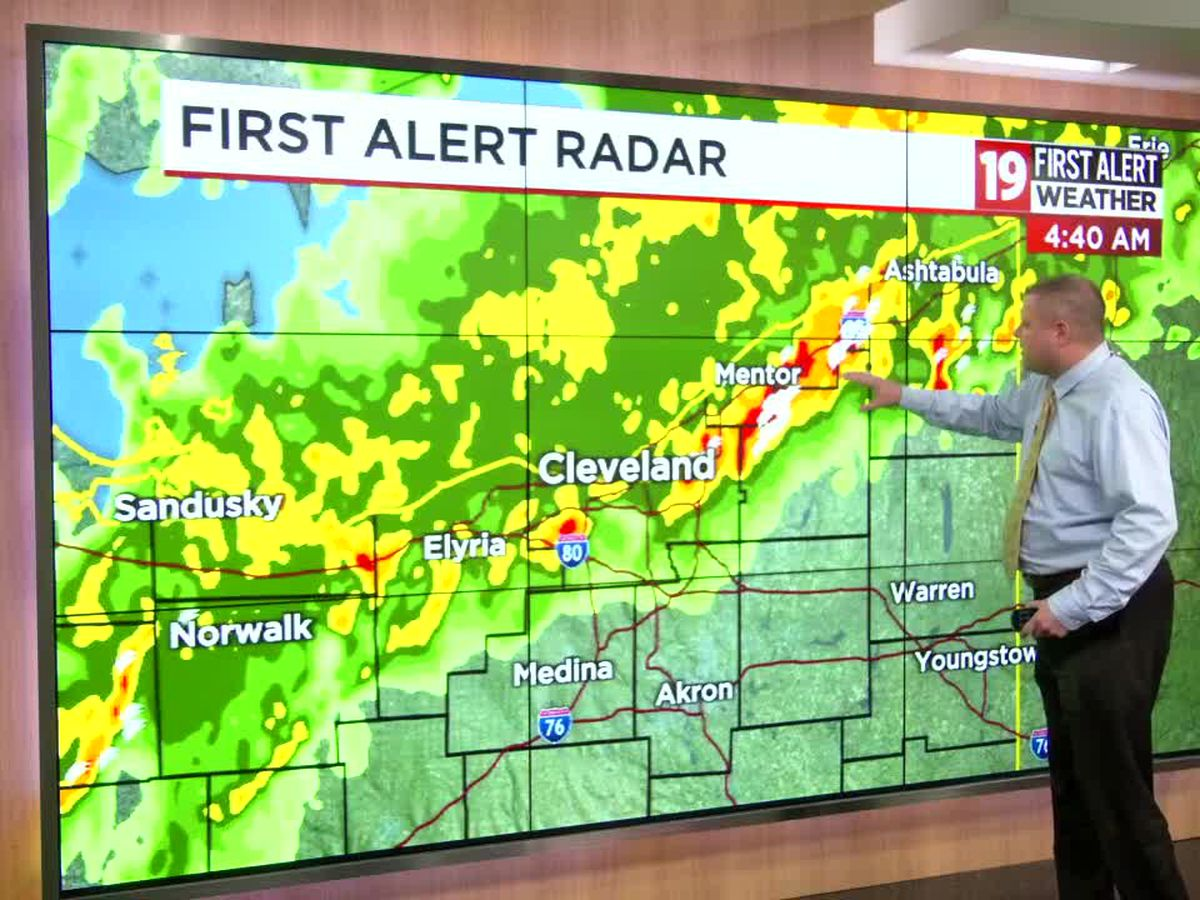 Northeast Ohio Weather: Flooding rain this morning turns into scattered showers/storms this afternoon