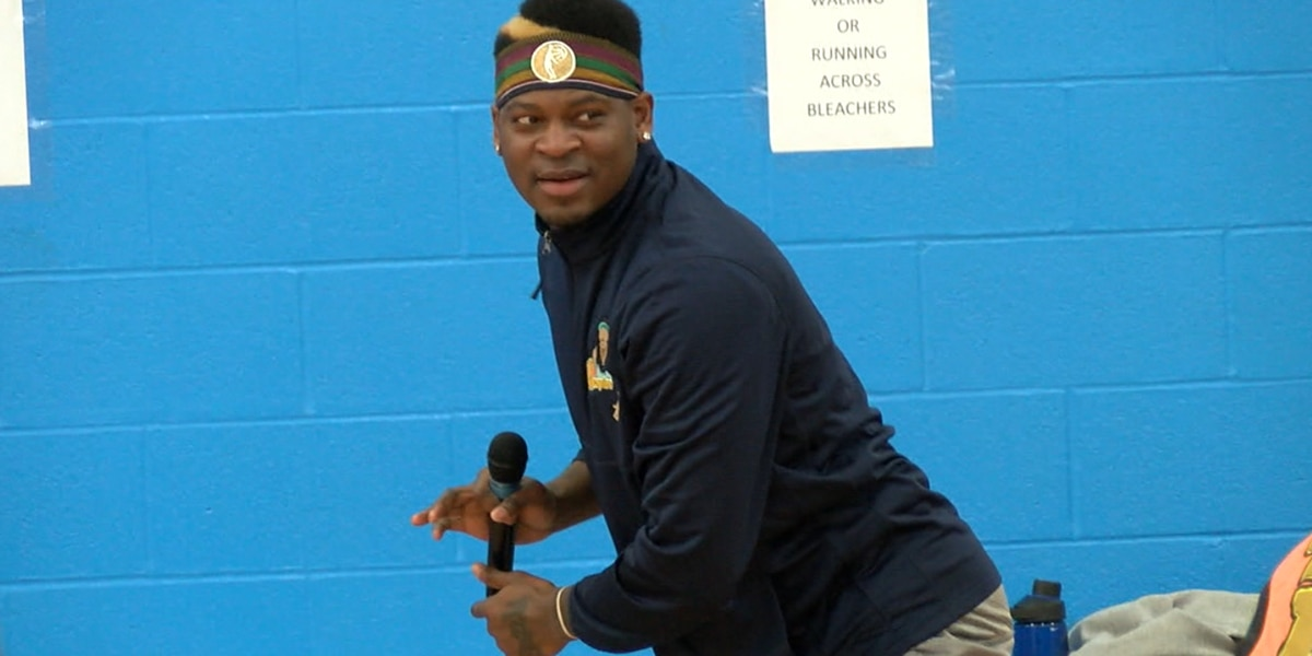 Former Cavalier returns to Cleveland to give back to inner city kids