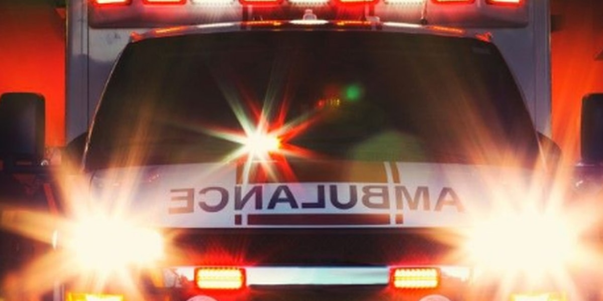 2-year-old Elyria girl falls out a 2nd story window