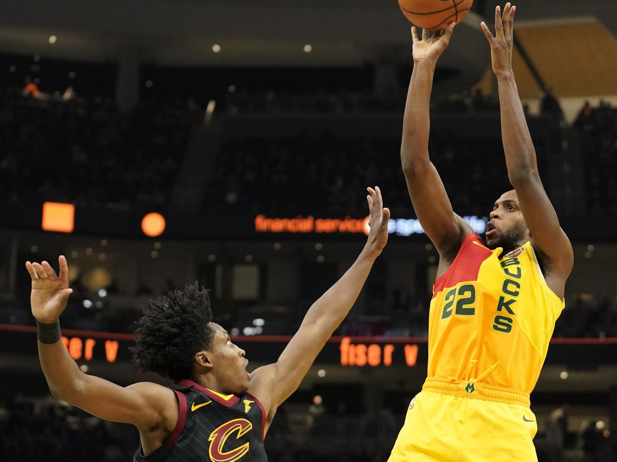Cavs' Tristan Thompson falls hard in loss to Milwaukee Bucks