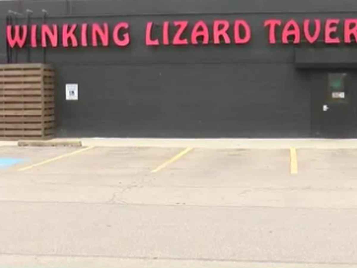 Winking Lizard Tavern ceasing operations at all locations temporarily after business day Saturday due to COVID-19 pandemic