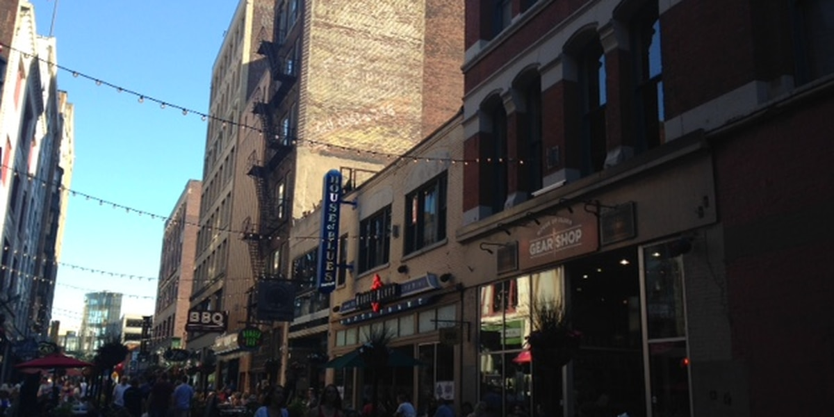 Tribe home opener helps downtown Cleveland business boom
