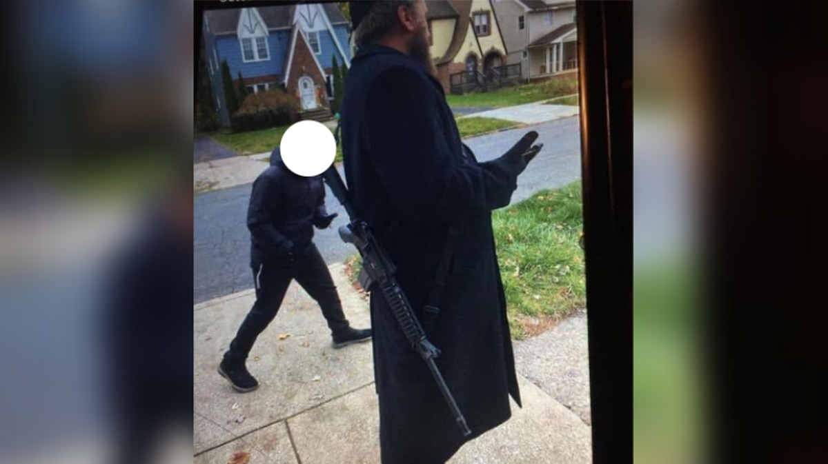 Man walking around Cleveland Heights with long-gun quoted as saying 'He's going to kill Black people'