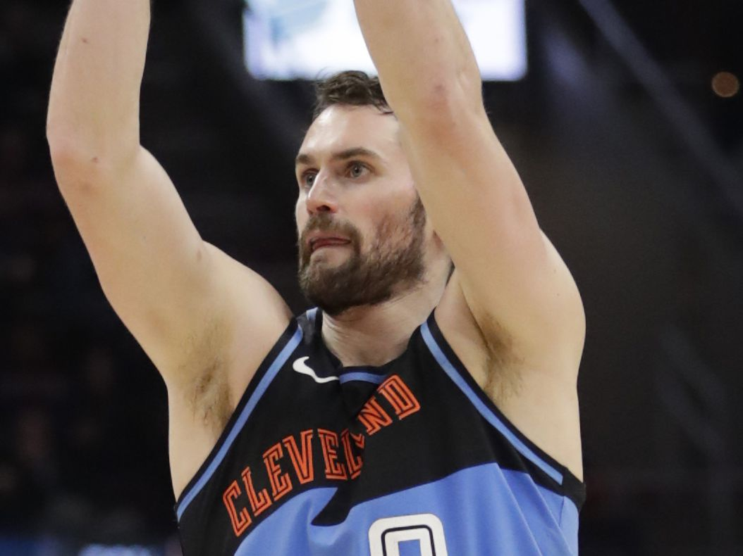 Cleveland Cavaliers forward Kevin Love wins Arthur Ashe Courage Award at ESPYs