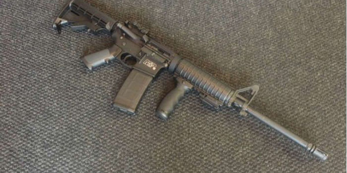 After dropping assault rifle, fleeing on foot, bank robbery suspects arrested (video)