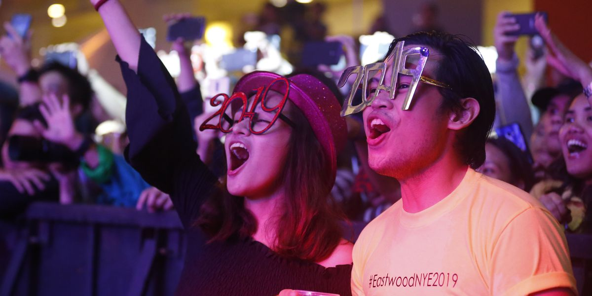 Hello, 2019: Revelry, reflection mark transition to new year
