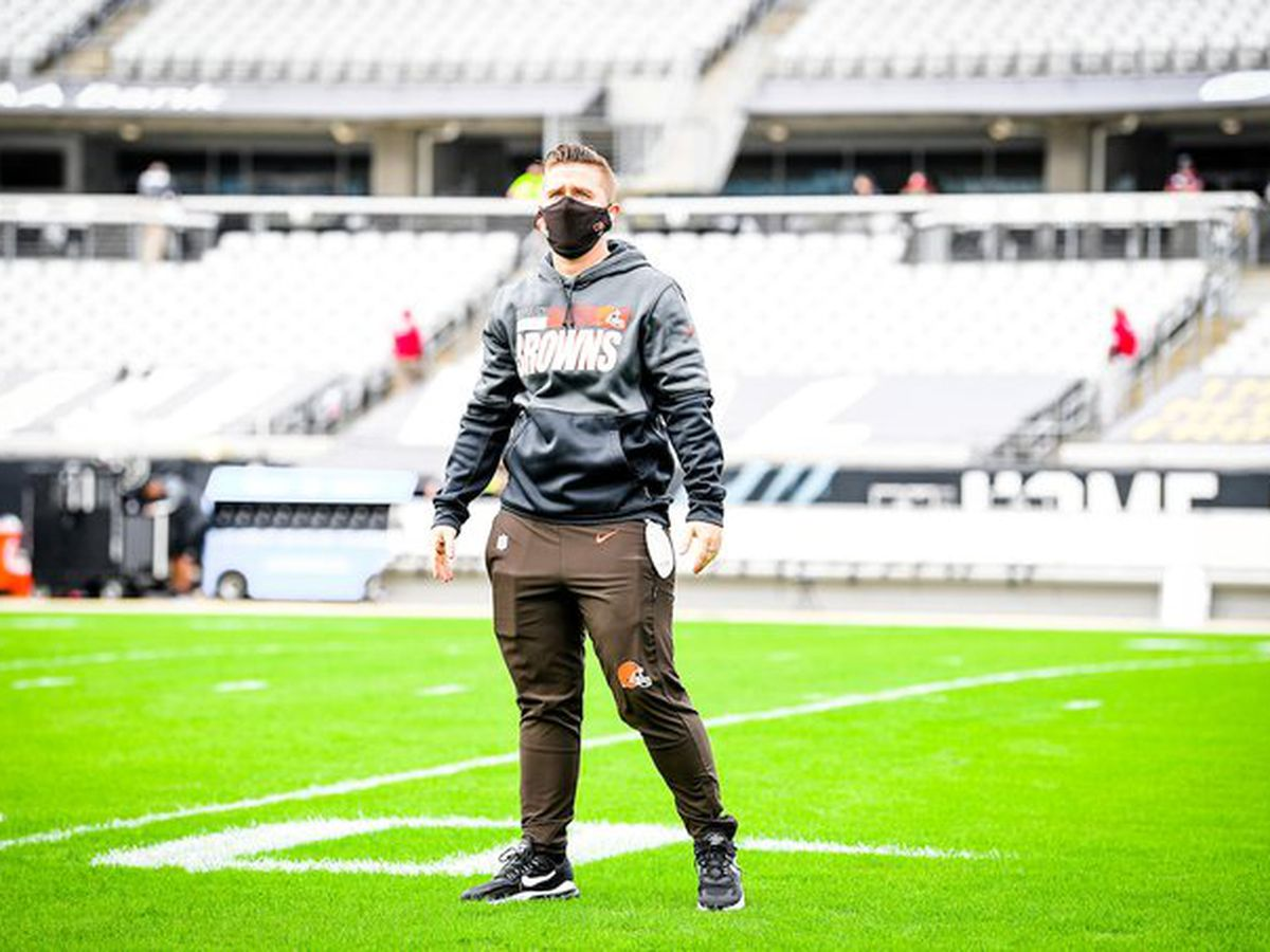 Browns' Callie Brownson makes history as first female to coach an NFL position group