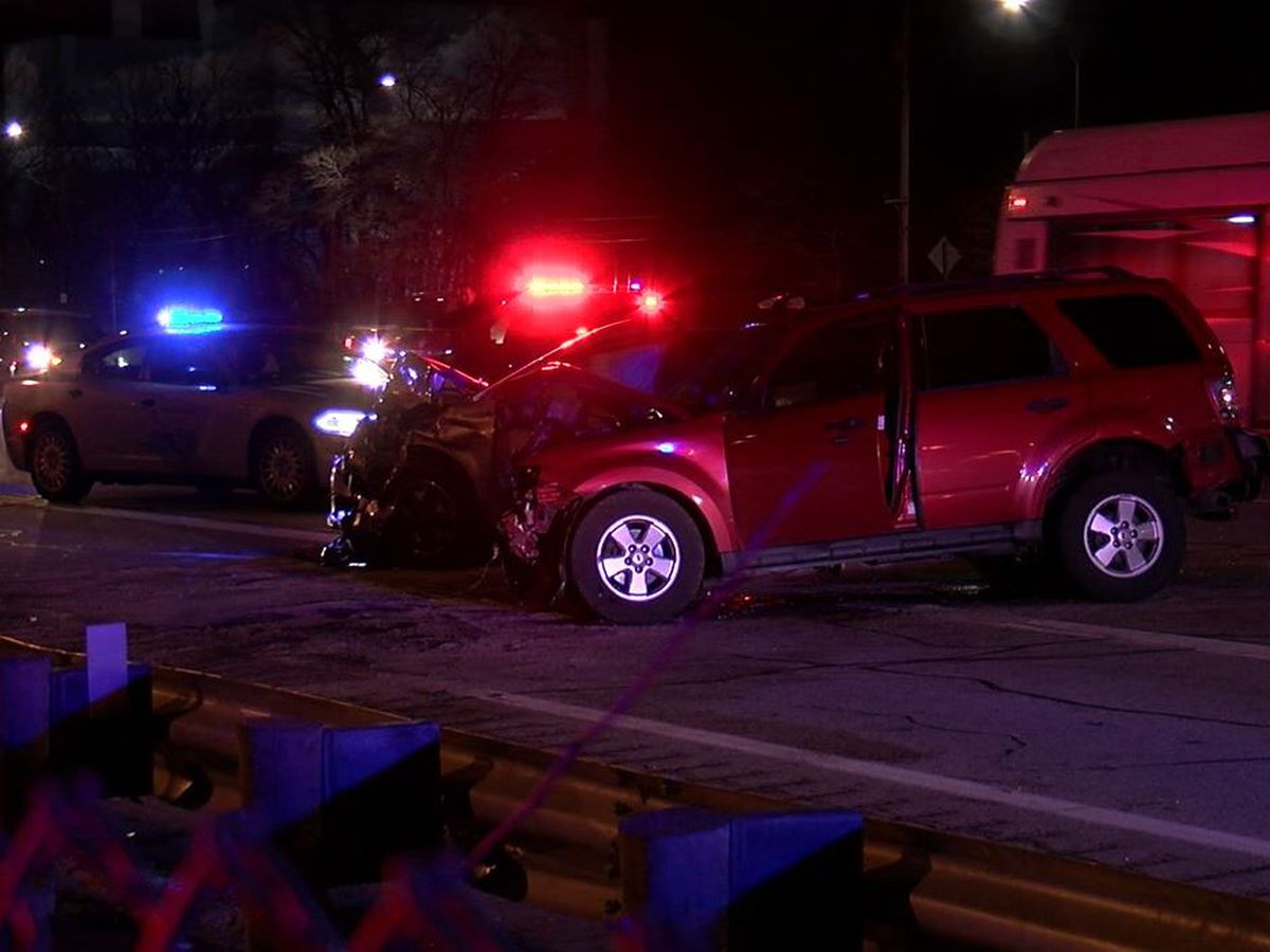 East Cleveland Police pursuit after man threatens woman with gun ends in crash with 5 people, including 2 officers, hurt