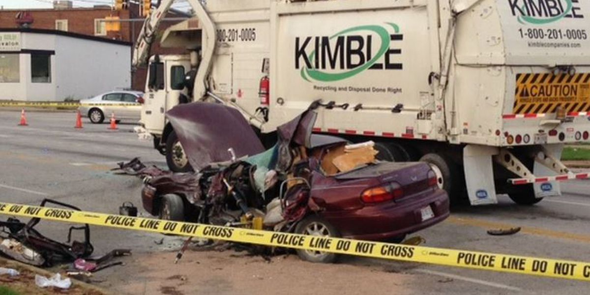 Parma police officers brave flames but can't rescue driver in twisted metal crash