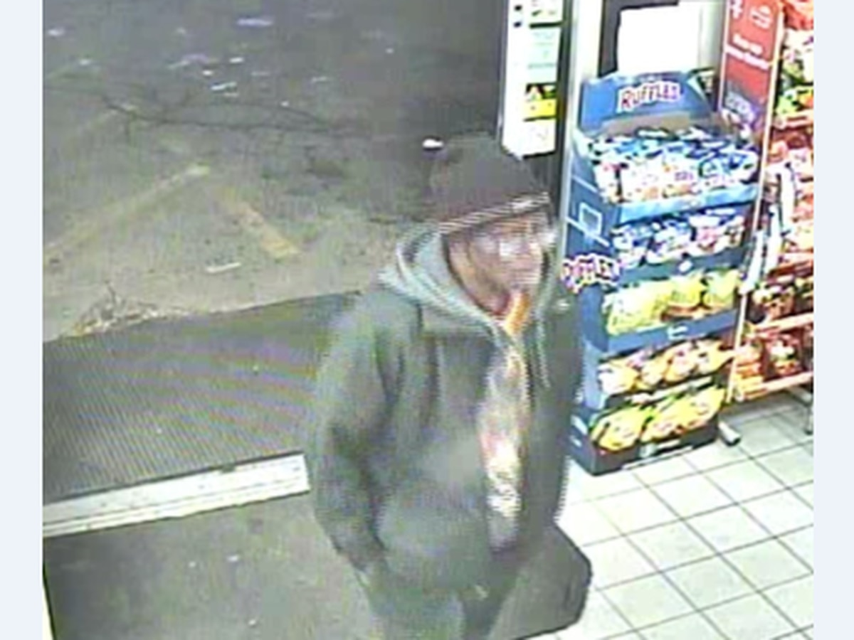 Petty thief assaults clerk during candy heist on Cleveland's West Side