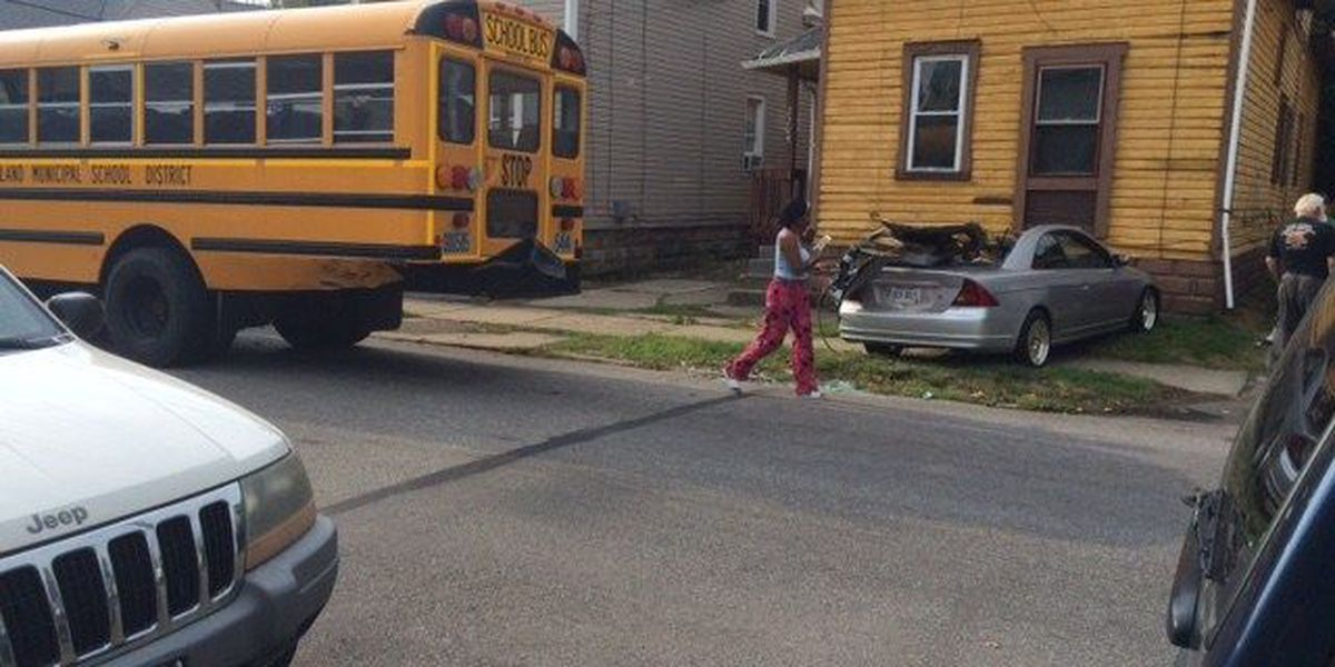 14 kids taken to hospital for check-up after Cleveland school bus accident