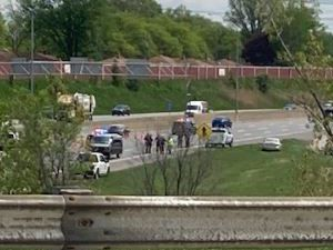 Woman runs into traffic on I-480, witnesses tell Brooklyn police