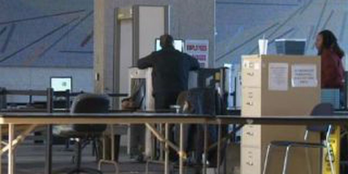 Guards punished for missing gun at checkpoint