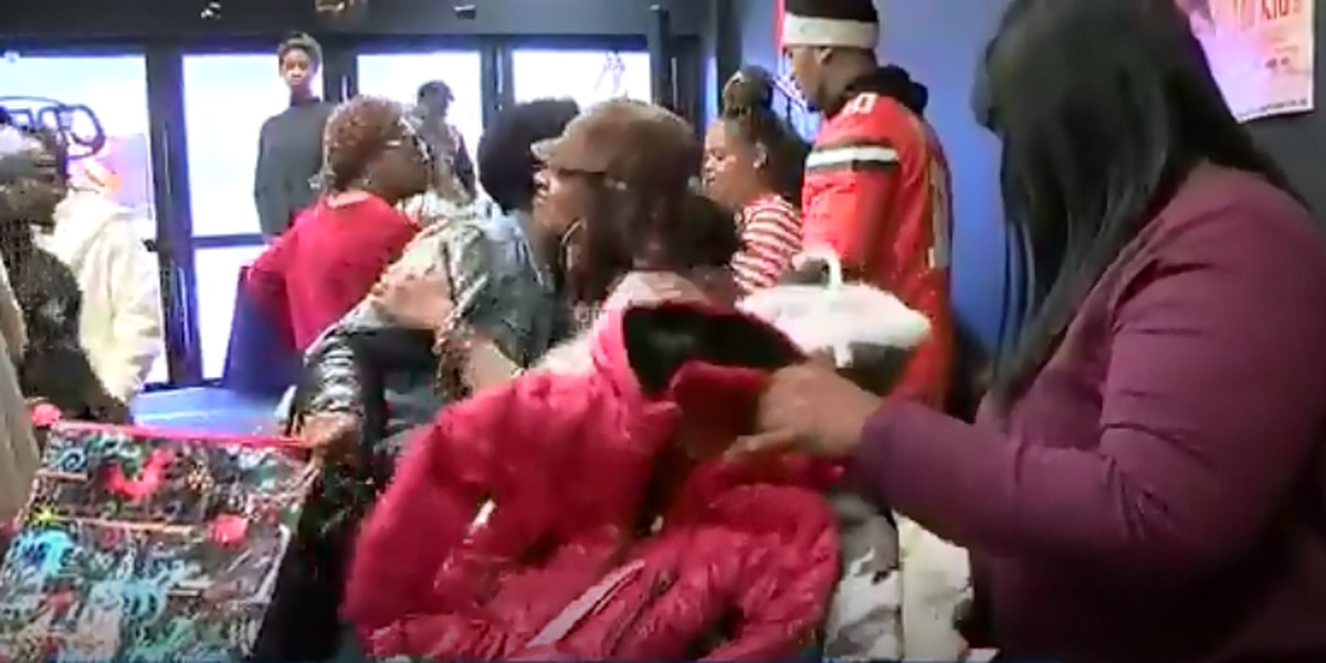 "East Cleveland residents host ""100 Coats for 100 Kids"" event"
