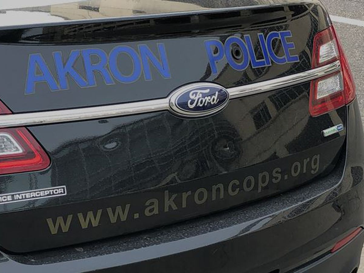Akron police: Woman intentionally walked into traffic on SR-8