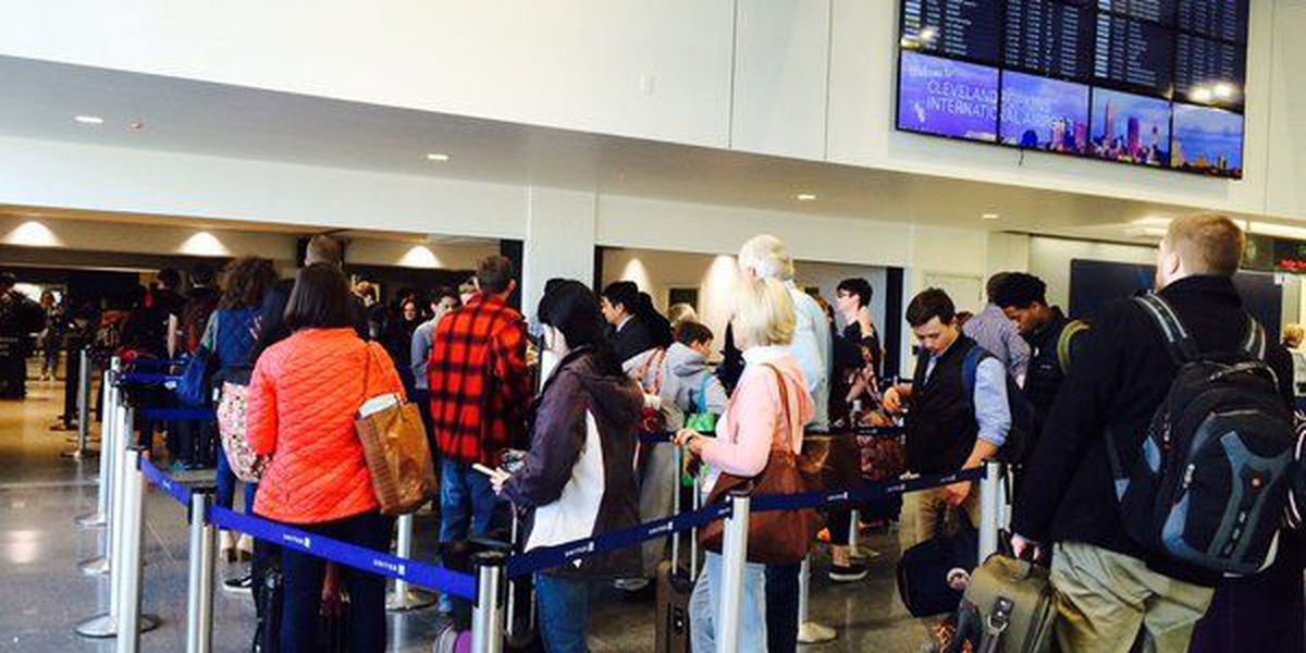 Travelers trying to stay calm as weather lead to flight delays