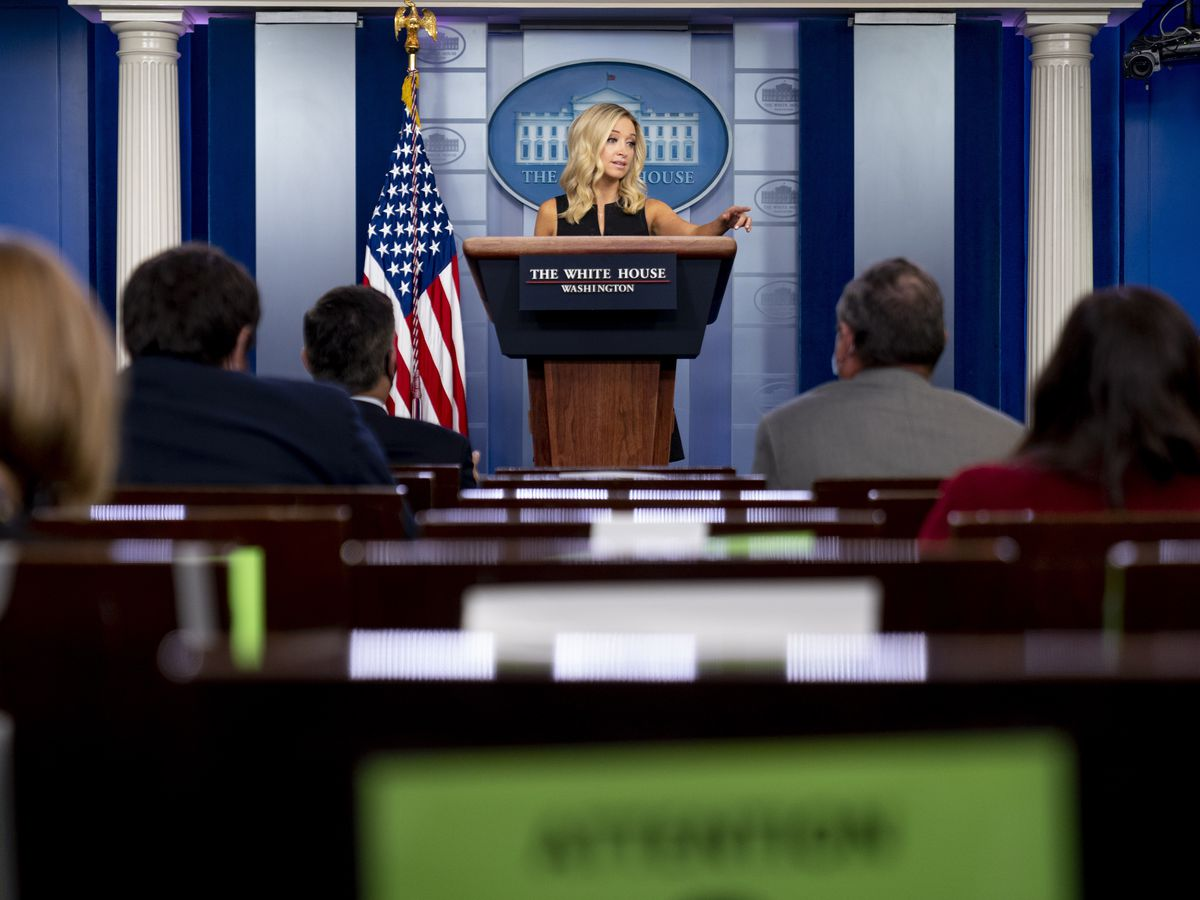 White House ordered to have sign language at virus briefings