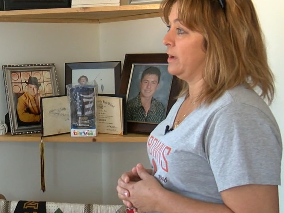 Veteran's mom fights cemetery over gravesite disrepair